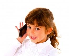 child-talking-mobile