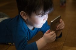How Technology Causes 'Brain Drain' & Weakens Family Connections